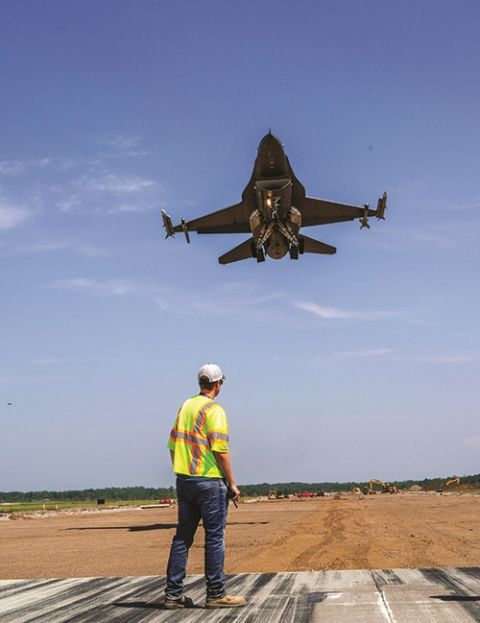 Duluth Int'l Reconstructs Main Runway